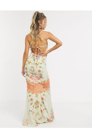 HOPE & IVY Maxi cami dress with open back in floral-Multi