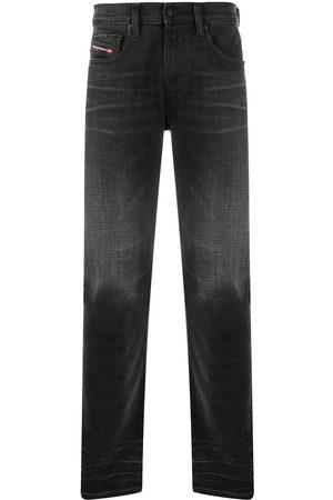 Diesel Men Slim - D-Strukt slim-fit jeans