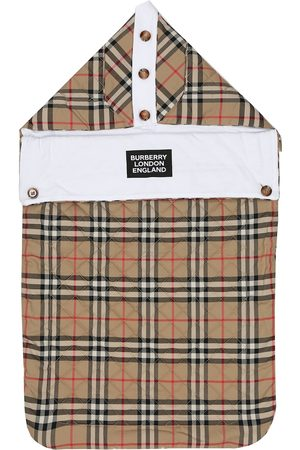 Burberry Iggy checked cotton baby nest