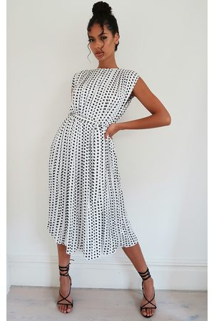 PRETTYLITTLETHING Polka Dot Pleated Sleeveless Midi Dress
