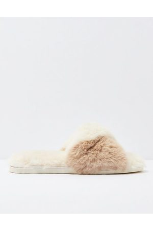 American Eagle Outfitters Fluffy Twist Slipper Women's S