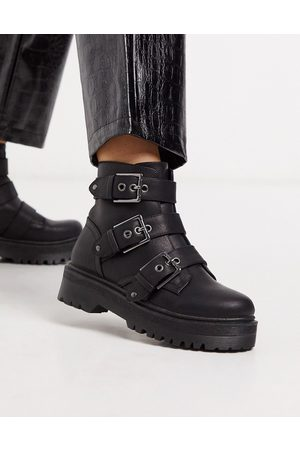 Qupid Chunky buckle flat boots in