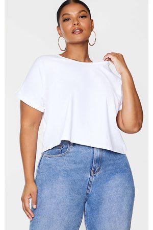 PRETTYLITTLETHING Plus Basic Low Arm T Shirt