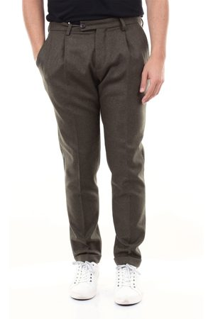 MICHAEL COAL Cropped Men forest