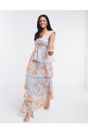 HOPE & IVY Button front tiered maxi dress with tie waist in blue and orange floral-Multi