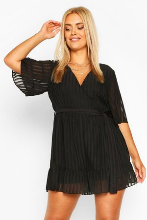 Boohoo Womens Plus Satin Stripe Ruffle Romper - - 12