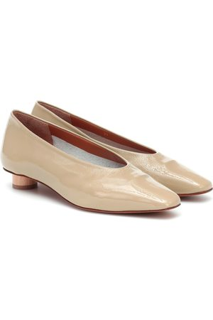 LOQ Paz patent leather pumps