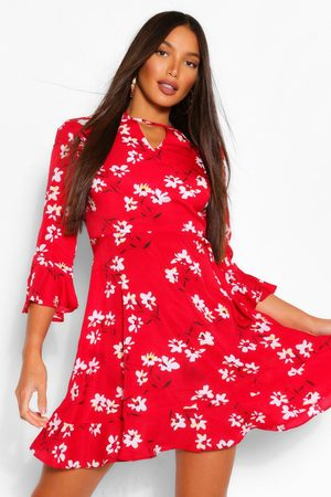 Boohoo Womens Tall Woven Floral Print Skater Dress - - 2
