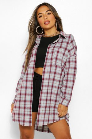 Boohoo Womens Petite Oversized Frayed Flannel Shirt - - 2