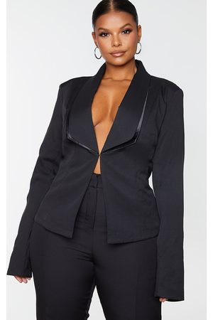 PRETTYLITTLETHING Plus Avani Suit Jacket