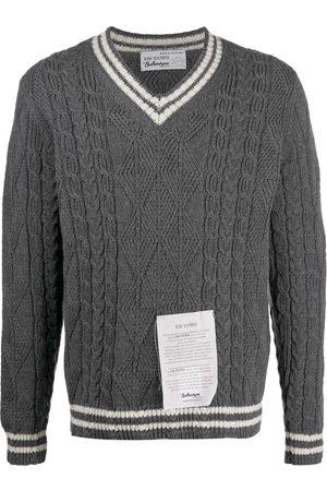 BALLANTYNE Stripe v-neck jumper with logo patch - Grey