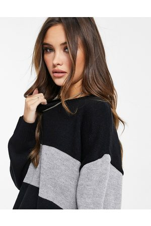 Liquorish Oversized knitted sweater in black and gray-Multi