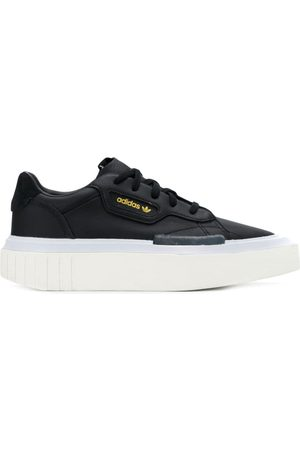adidas Hyperslee sneakers