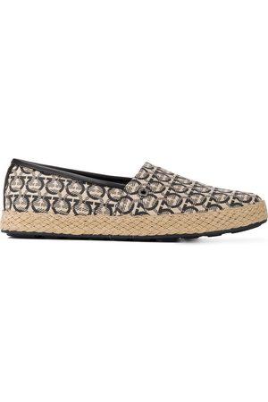 Salvatore Ferragamo Ganicini print loafers - Neutrals