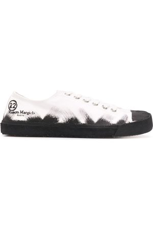 Maison Margiela Tabi-toe sprayed-effect sneakers