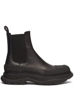 Alexander McQueen Tread Leather Chelsea Boots - Womens