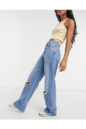 Stradivarius Straight leg 90s jeans with rips in