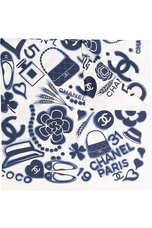 CHANEL CC motif print scarf