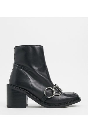 ASRA Exclusive Hugo loafer boot with silver chain in leather