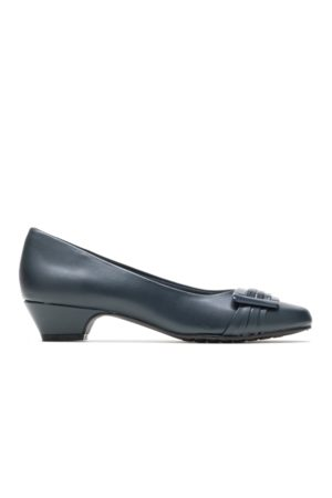 Hush Puppies Women's Pleats Be With You Heels, Size 6 Extra Wide Width, Navy