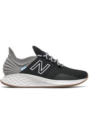 New Balance Women's Fresh Foam Roav Tee Shirt - Black/Grey (WROAVTK)
