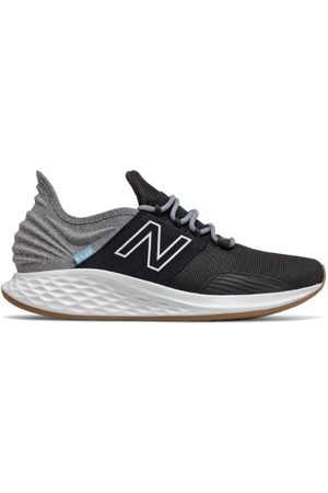 New Balance Men's Fresh Foam Roav Tee Shirt - Black/Grey (MROAVTK)