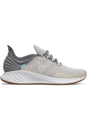 New Balance Women's Fresh Foam Roav Tee Shirt - Grey (WROAVTG)