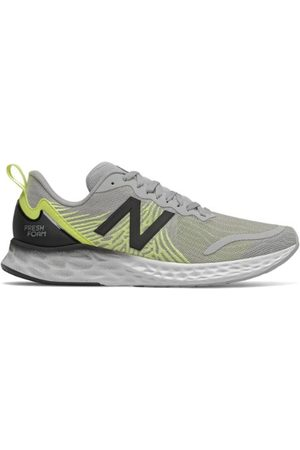 New Balance Men's Fresh Foam Tempo - Grey/Black (MTMPOGY)