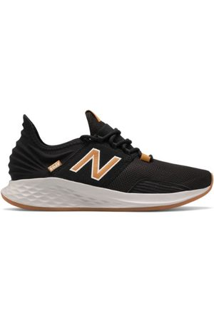 New Balance Men's Fresh Foam Roav - Black/Yellow (MROAVSBW)