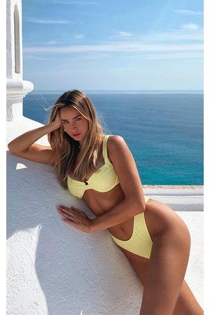 PRETTYLITTLETHING Women Bikinis - Light Lime Mini Crinkle Underwired Square Neck Bikini Top