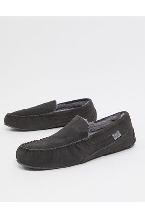 Sheepskin by Totes Suede moccasin slippers in -Grey