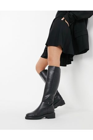 London Rebel Flat pull on knee boots in