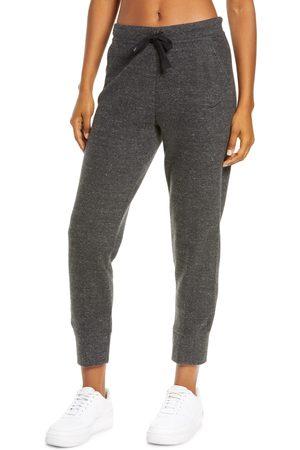 Nike Women's Thermal Fleece Tapered Pants