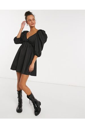 In The Style X Lorna Luxe mini smock dress with exaggerated sleeves in
