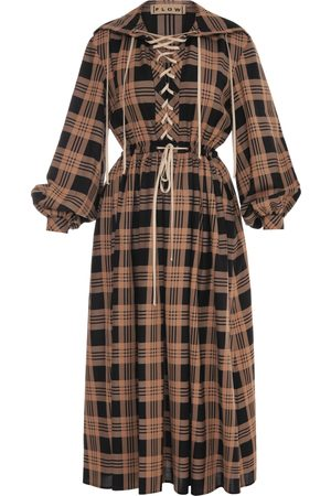 flow Plaid Dress