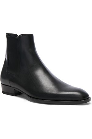 Saint Laurent Leather Wyatt Chelsea Boots in