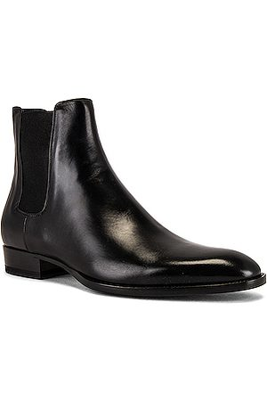 Saint Laurent Wyatt 30 Chelsea Boot in