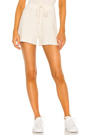 Sanctuary Essential Pull On Short in Ivory.