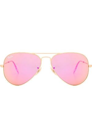 Ray-Ban Aviator Flash Lenses in Pink.