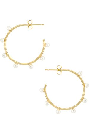 The M Jewelers Multi Pearl Hoop Earring in Metallic .