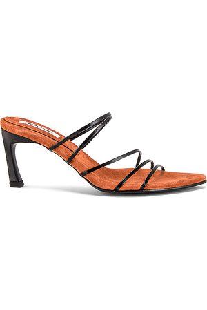 Reike Nen 5 Strings Pointed Sandals in Black.