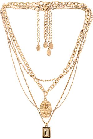 8 Other Reasons Mrs Ross Necklace in Metallic .