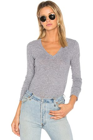 MONROW Jersey Long Sleeve V Neck Tee in Gray.