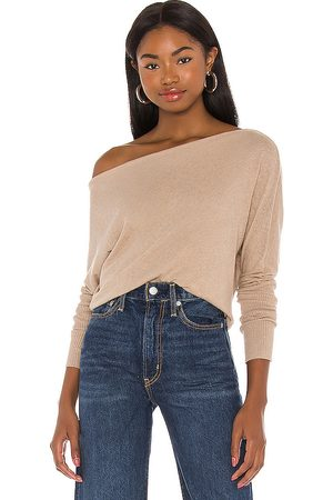 ENZA COSTA Cashmere Cuffed Off Shoulder Long Sleeve Top in Tan.