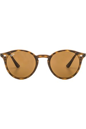 Ray-Ban Women Round - Round Classic in Brown.