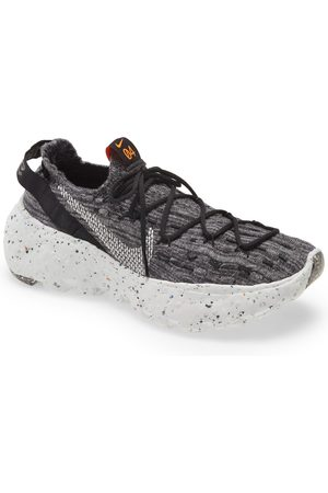 Nike Men's Space Hippie 04 Sneaker