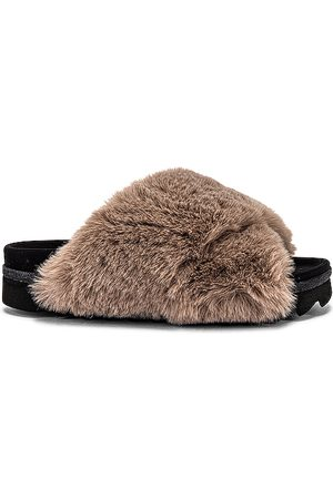 R0AM Cloud Faux Fur Slippers in .