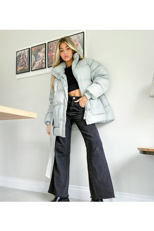 COLLUSION Puffer Jackets - Belted puffer jacket in icy blue-Blues