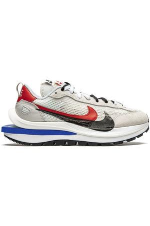 "Nike VaporWaffle ""Sacai - Sport Fuschia"" - Grey"