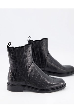 Vagabond Amina Chelsea boots in croc leather